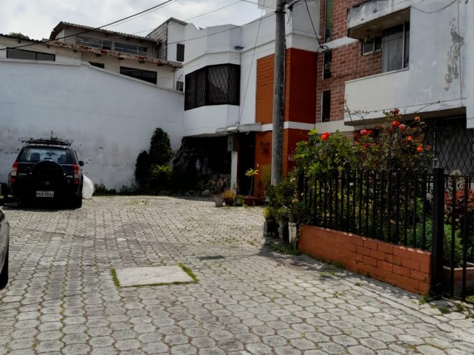 CASA EN VENTA SECTOR NORTE DE QUITO (REAL AUDIENCIA)